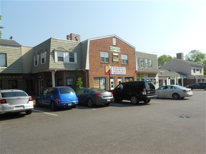 E. Main St, Huntington, 19k SF